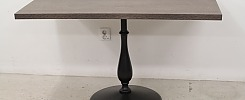 Restaurangbord med rundad fot
