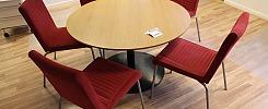 Bord med 5 st stolar