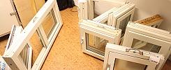 8 st fönster med karmar