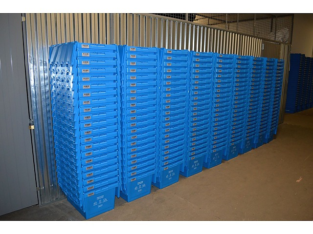 100 stk. 60 liter heavy duty plast transport- og opbevaringskasser, GoBox / Transport lådar